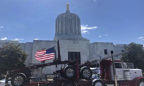 Oregon senator walkout: 'patriot' groups vow to protect