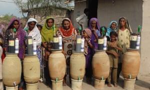 Pakistani women with the SwissPak water filter.