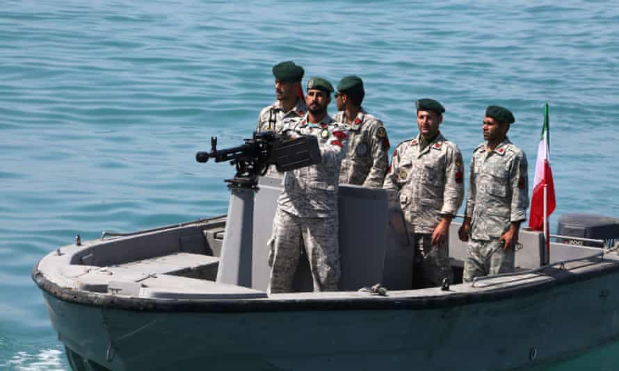 Iranian soldiers in the strait of Hormuz