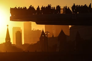 Moscow, RussiaPeople enjoy the spectacle of the setting sun from the observation deck in Zaryadye Park
