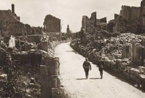 Verdun, 1915  the ruins of Verdun