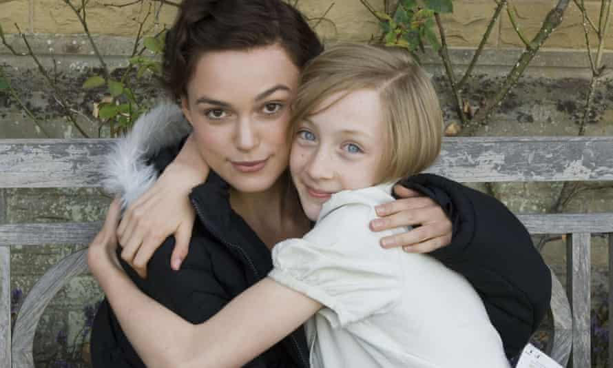 Keira Knightley (as Cecilia Tallis) and Saoirse Ronan (as Briony Tallis) in the 2007 film of Atonement.