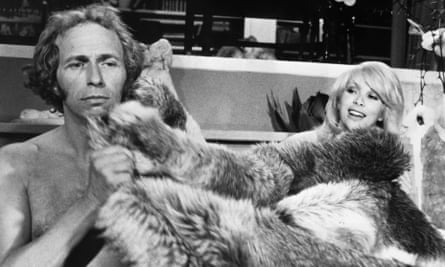 Mireille Darc and Pierre Richard in the espionage farce Le Grand Blond Avec Une Chaussure Noire (The Tall Blond Man With One Black Shoe), 1972.
