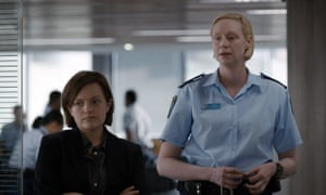 Top Of The Lake... Detective Robin Griffin played by Elisabeth Moss and Miranda Hilmarson played by Gwendoline Christie