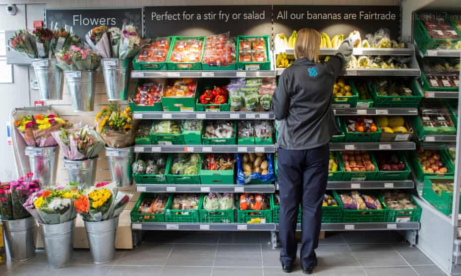 UK supermarket with Fairtrade bananas