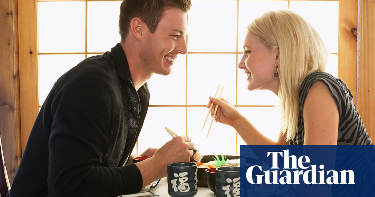 How to eat on a first date to make sure you get a second one   Life