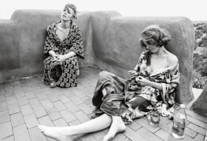 David Bowie and Candy Clark take a break on the set of The Man Who Fell To Earth.