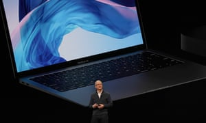 Tim Cook presents the new MacBook Air.