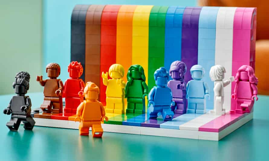 The Everyone Is Awesome Lego set