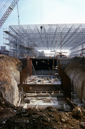 The Sainsbury Centre under construction, 1975-78.