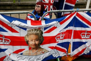 Royal fans gather to celebrate Queen Elizabeth's 90th birthday in Windsor