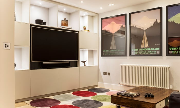The Dos And Donts Of Buying A Huge Tv Life And Style The Guardian