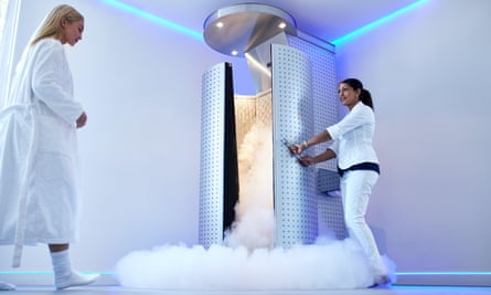 A cryotherapy unit.