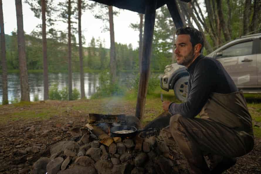 Aug 02, 2021 Alvdalen, Sweden: We break for lunch at a small shelter.