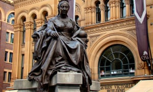 There was a threat to bomb the Queen Victoria statue when it was unveiled in Sydney in December 1987, declassified Irish cabinet papers reveal.