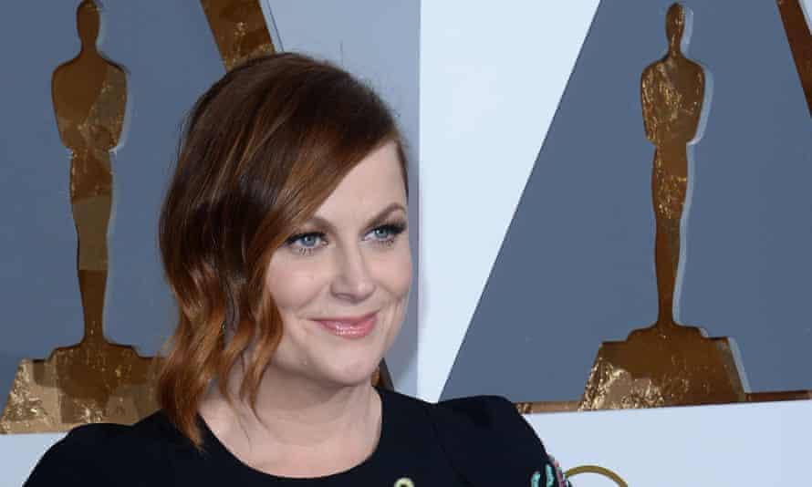Amy Poehler arrives at the Oscars