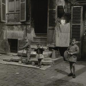 Children from Cité Lesage-Bullourde, Paris, 1950