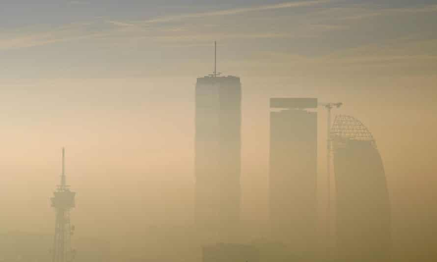 Dense smog in Milan