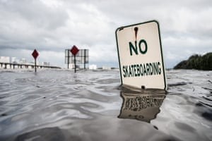 The St Johns river rises due to flood waters in Jacksonville