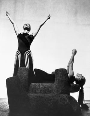 Martha Graham and May O'Donnell performing in Cave of the Heart in 1946. The ballet's set was designed by Isamu Noguchi.