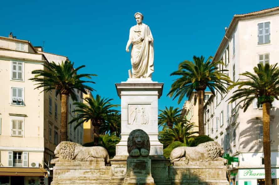 Ajaccio, Corsica, FrancePlace Foch, Fontaine des Quatre Lions . The fountain with 4 lions and Emperor Napleon by Francesco Massimiliamo was inaugurated in 1850