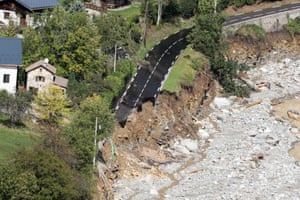 Heavy rains and floods left villages cut off in the Alpes-Maritimes department