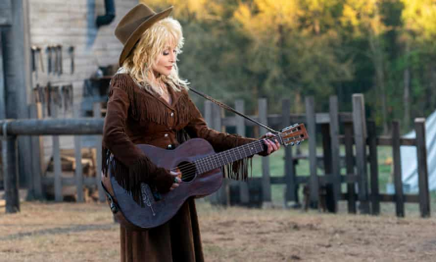 A publicity image from Dolly Parton's Heartstrings.