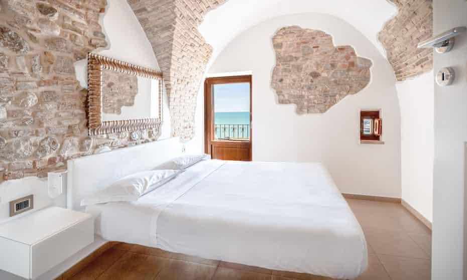 A bedroom at Locanda Alfieri