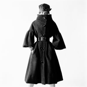 Terence Donovan Virginia Wynn-Thomas wearing a Ronald Paterson coat London August, 1959