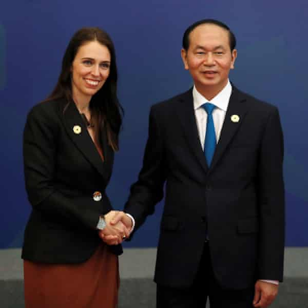 Jacinda Ardern with the Vietnamese president, Tran Dai Quang, at a gathering of world leaders and senior business figures in Danang.