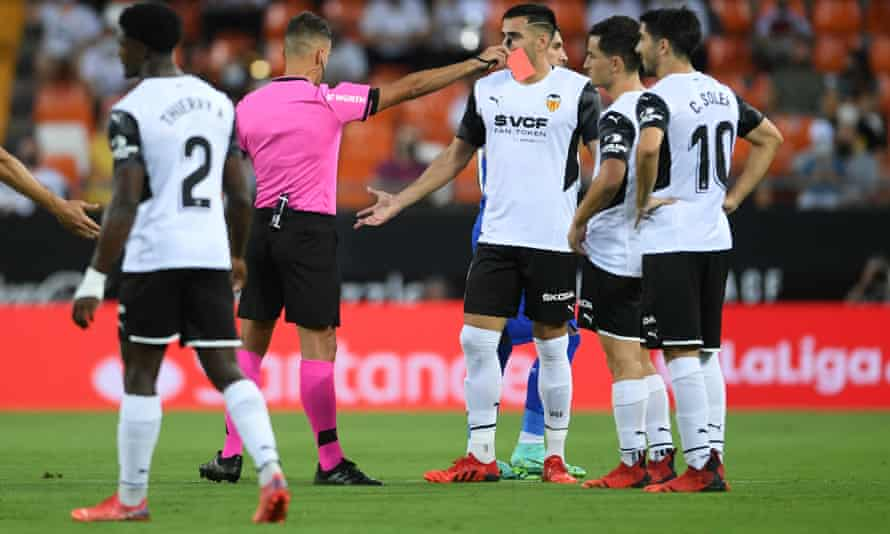 Jesús Gil Manzano sends off Hugo Guillamón of Valencia, for a challenge 31 seconds after kick-off in the match against Getafe