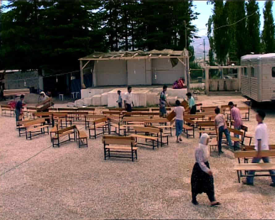 Oyun, directed by Pelin Esmer.