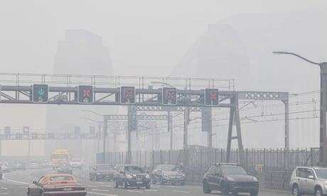Smoke haze hangs over Sydney as fire danger risk heightens – video