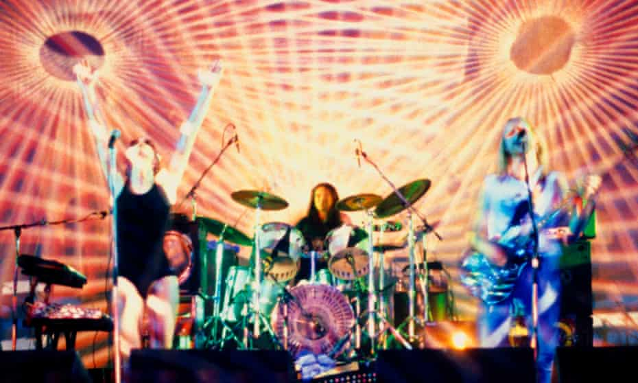 A typically psychedelic show from Hawkwind.