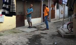 Slum golfers in Mumbai.