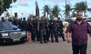 Riot squad in position near Bolsonaro's condominium, where supporters have gathered.