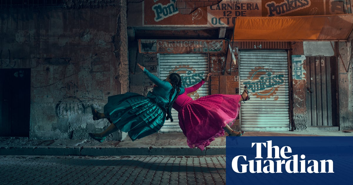 Bolivia's indigenous female wrestlers mid-flight: Todd Antony's best photograph