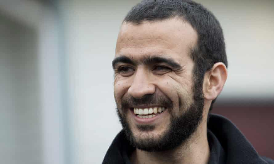 The Canadian government is going to apologise and give millions to Omar Khadr, a former Guantanamo Bay prisoner who pleaded guilty to killing a US soldier in Afghanistan.