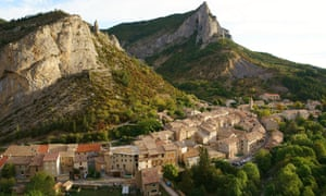 PICTURESQUE VILLAGE OF ORPIERRE, A WELL KNOWN SPOT FOR CLIMBING ENTHUSIASTS.