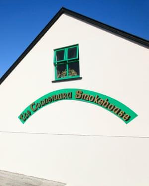 the Connemara smokehouse at Bunowen Pier in Ballyconneely, Connemara, IrelandB8PB7D the Connemara smokehouse at Bunowen Pier in Ballyconneely, Connemara, Ireland