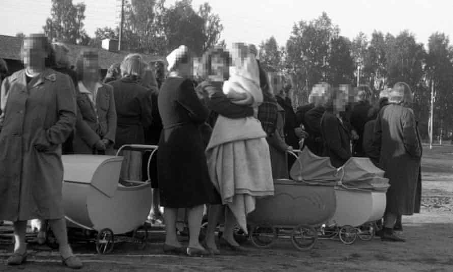 Norwegian women and their children on their way to Germany from Elverum, Norway, in April 1945.