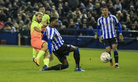 Sergio Agüero goal takes Manchester City past stubborn Sheffield Wednesday