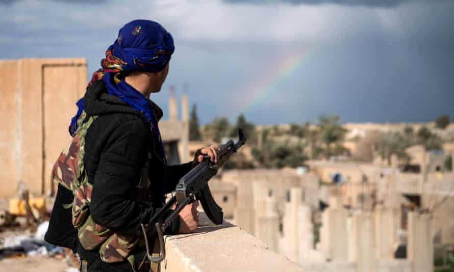Solider in Baghuz.