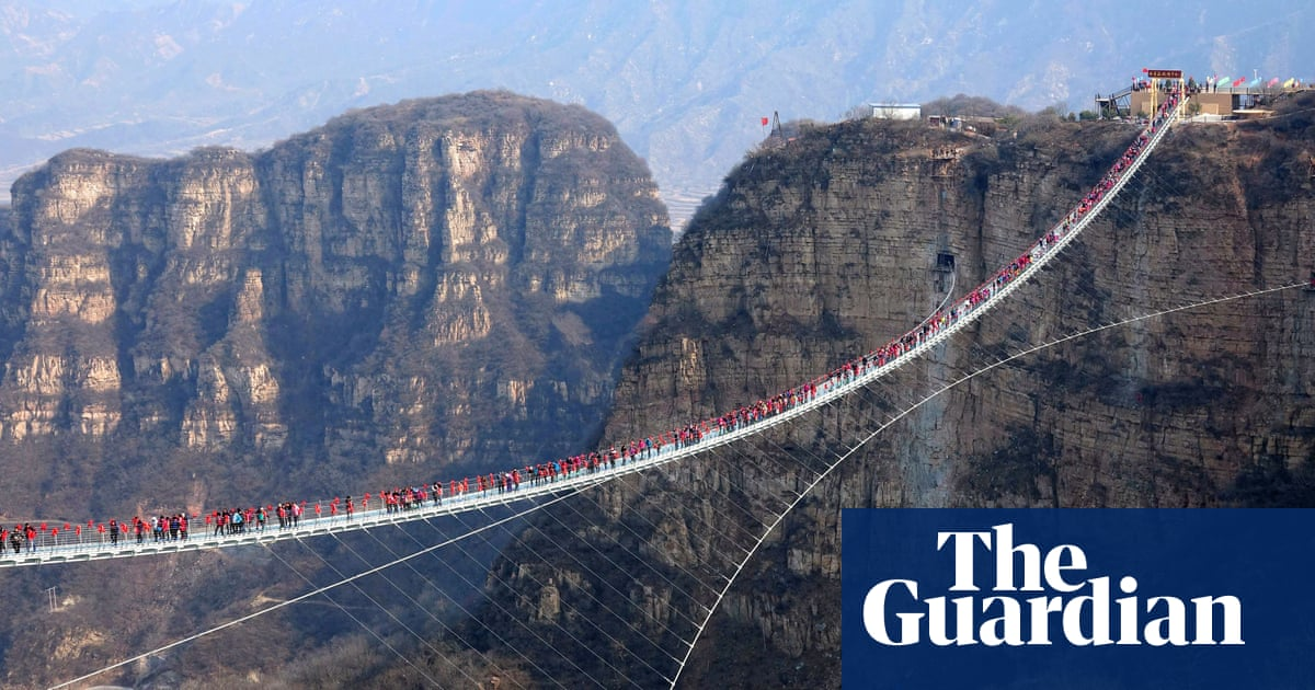 Travel Tourism: Chinese province closes all glass bridges over safety fears  Hol
