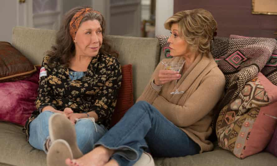 Lily Tomlin and Jane Fonda as divorced wives in US comedy drama Grace and Frankie.