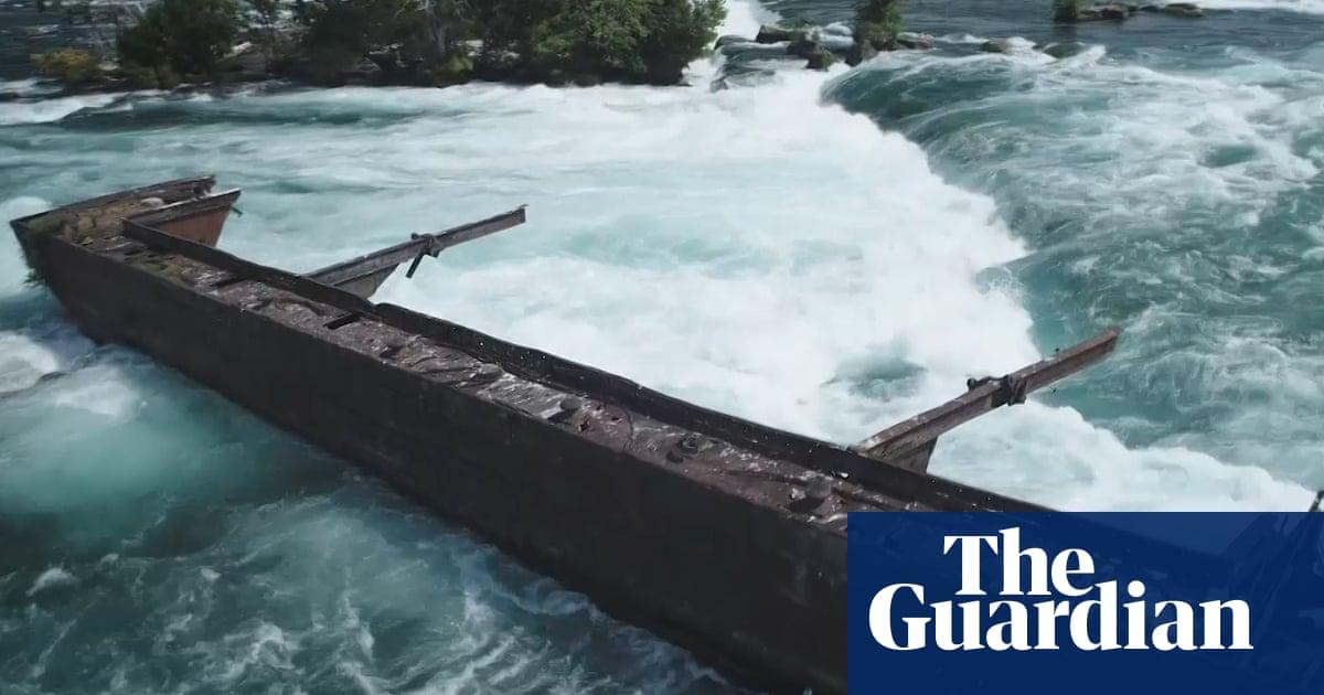 100-year-old barge stuck above Niagara Falls shifts – video