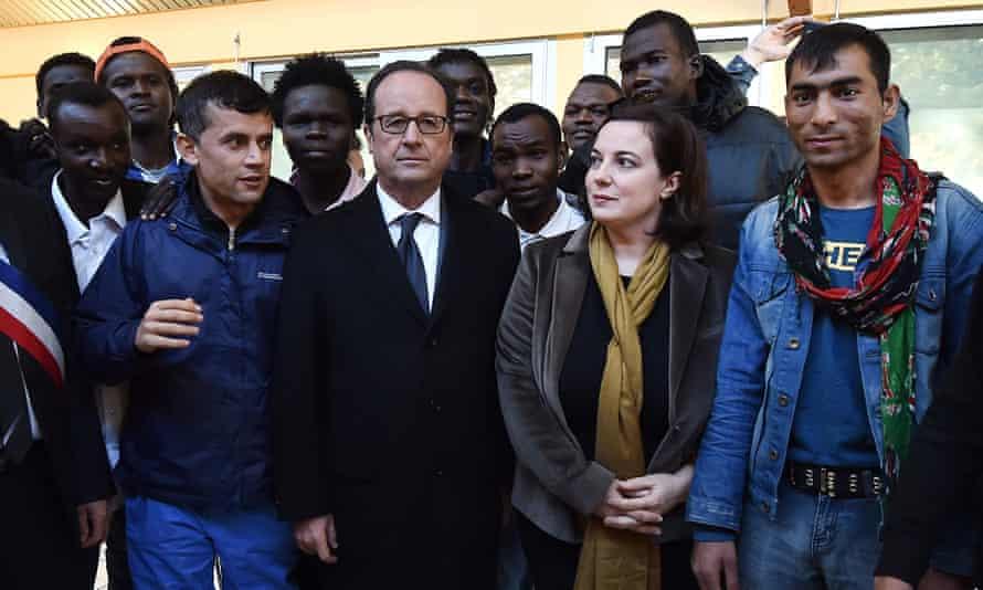 French president François Hollande and housing minister Emmanuelle Cosse