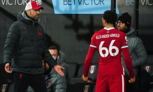 Klopp reacts to a disgruntled Alexander-Arnold