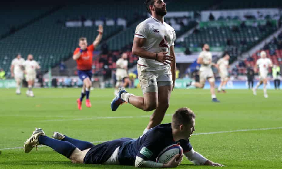 Elliot Daly's try was the only one in the first half to involve more than a single pass.