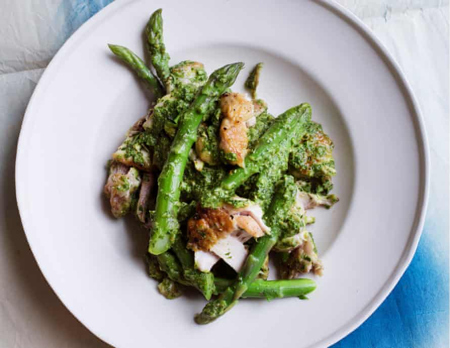 Green scene: asparagus and chicken with basil dressing.
